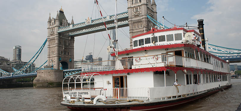 Dixie Queen Paddle Steamer on the Thames