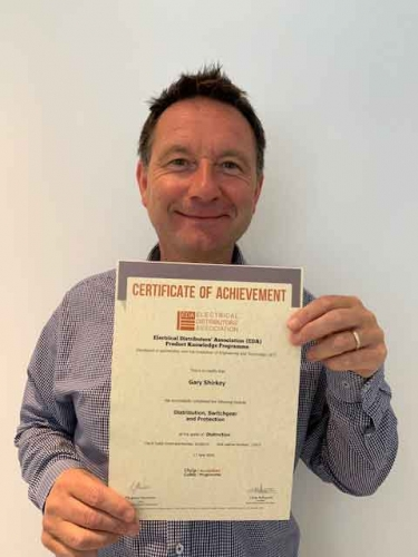 Gary Shirkey from Electrium Sales, with his second Distinction certificate for his module Distribution, Switchgear and Protection